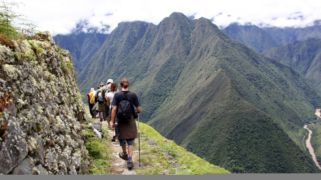 Peru trekking group